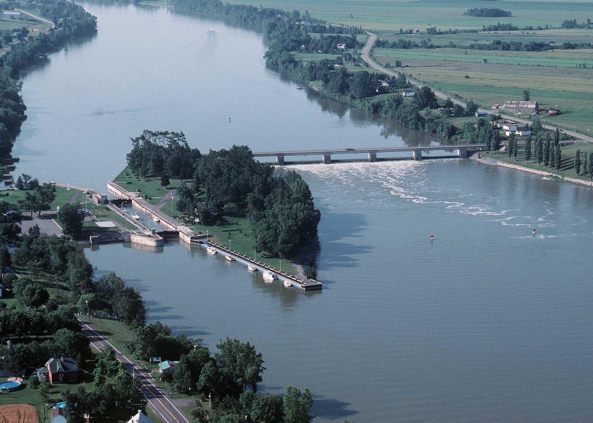Canal de Saint-Ours