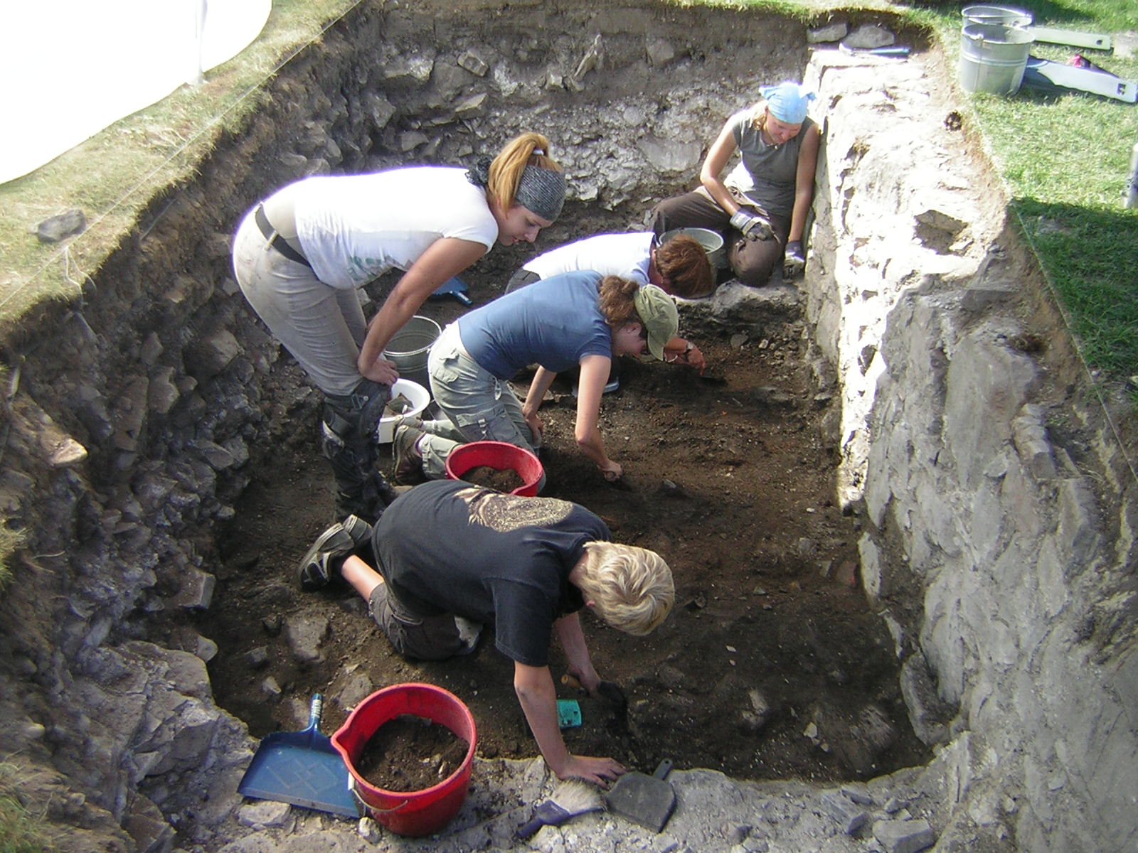 Fouilles archéologique sur le site de la Grande Ferme, Côte-de-Beaupré. Photo Artéfactuel aa